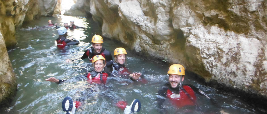 Descenso de Barrancos en sierra de cazorla, actividades divertidas y refrescantes