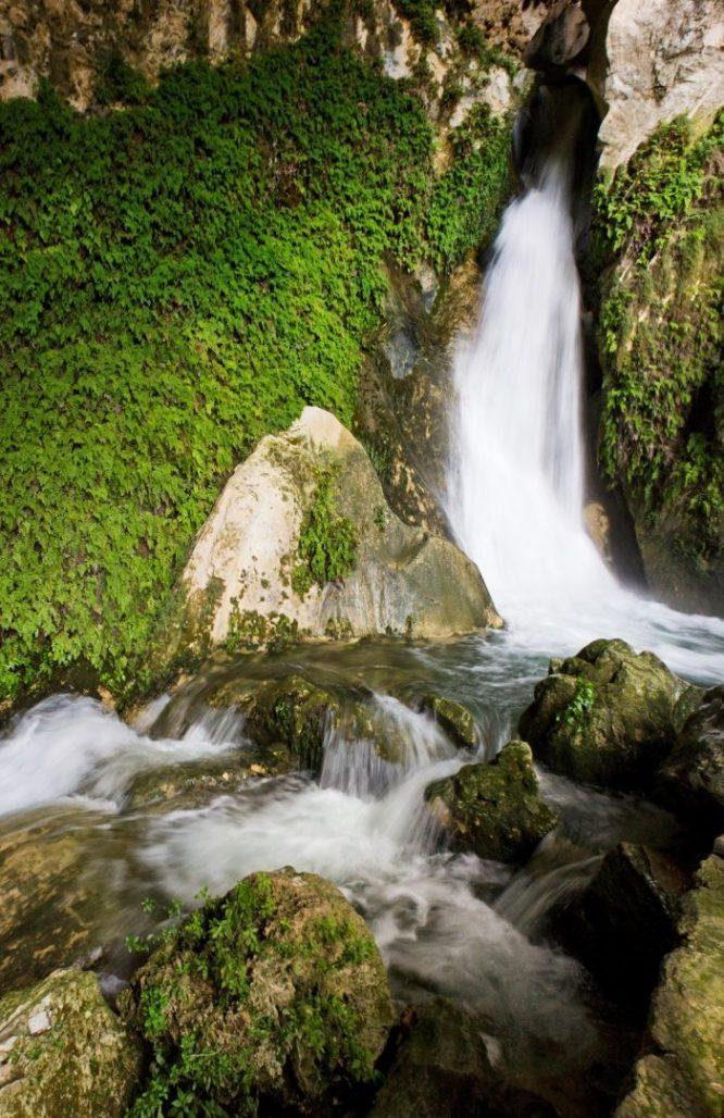 cascada de la Cueva del agua, Tiscar, Quesada, sierras de cazorla