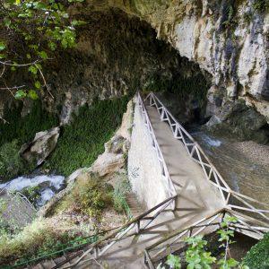 Cueva del agua. entorno natural de Quesada