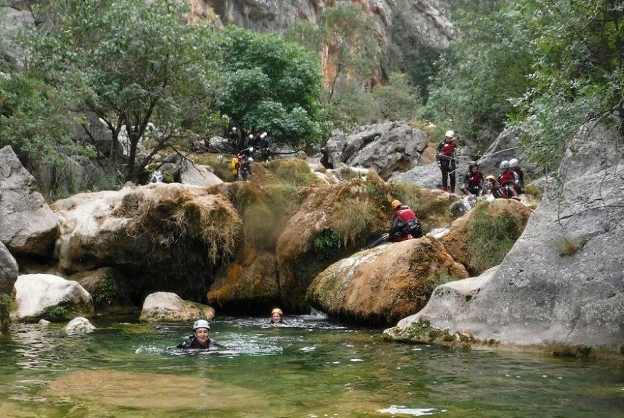 Aventura en Sierra de cazorla. descenso de barrancos en rio Guadalquivir Cazorla