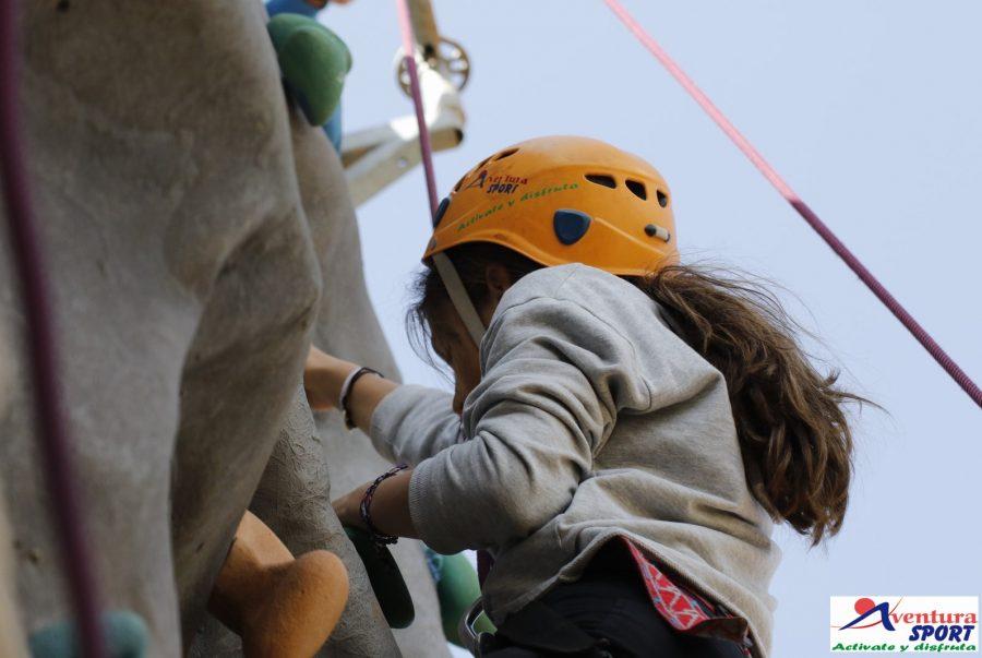 multiaventura para familias en sierra de cazorla, actividades de aventura, escalada