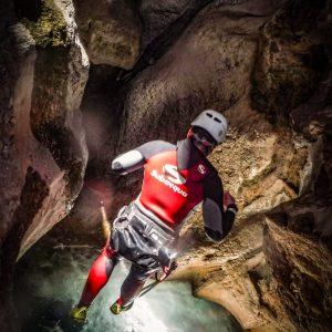 descenso de barrancos por el rio guadalentin, en sierras de cazorla