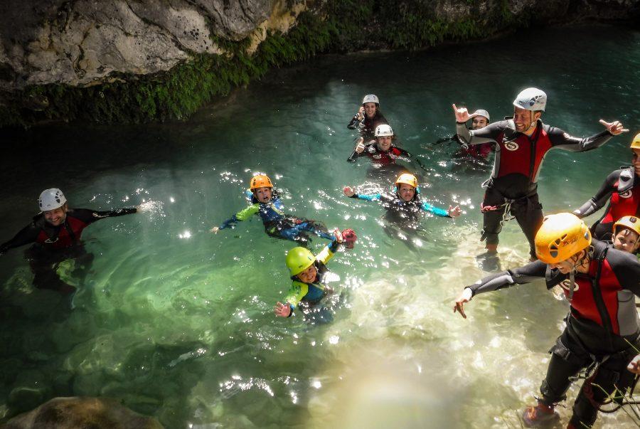 turismo activo con niños en el camping de la bolera, actividades de aventura en familia en sierras de cazorla