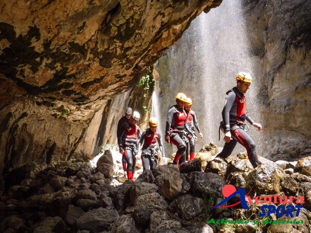 barranco del rio guadalentin, descenso de barrancos en hoyo de los pinos, actividades de aventura sierras de cazorla