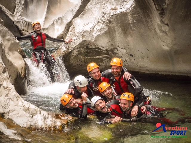 actividades de aventura en campocamara, descenso de barrancos en sierra del pozo