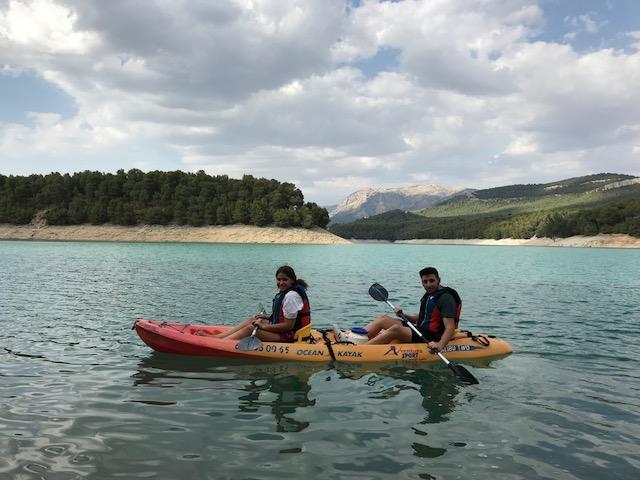 Paseos en kayak por el embalse de la Bolera