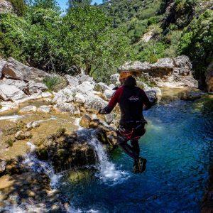 turismo activo en arroyo frio, descenso de barrancos