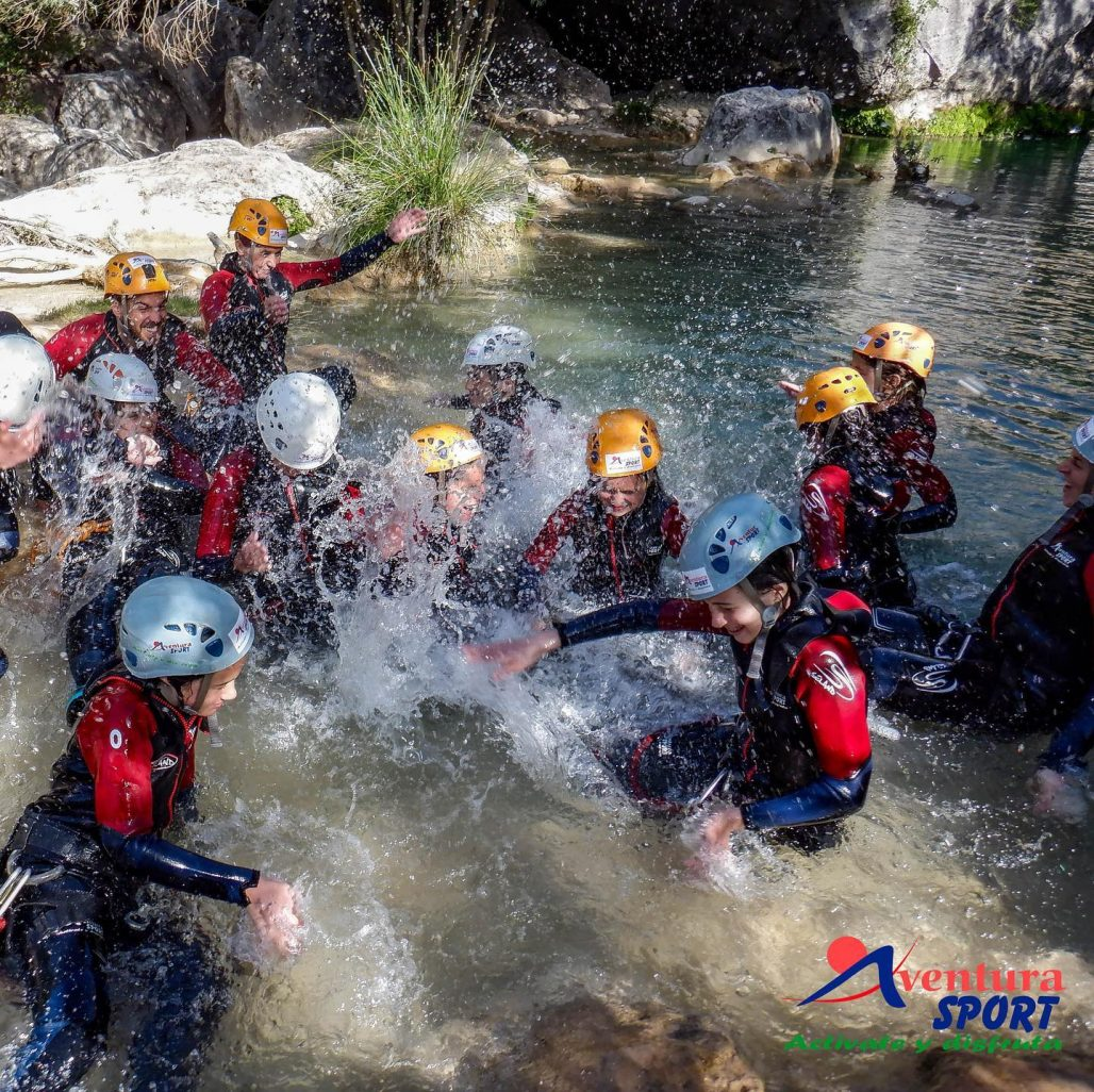 actividades de aventura en sierras de cazorla, descenso de barrancos con ninos
