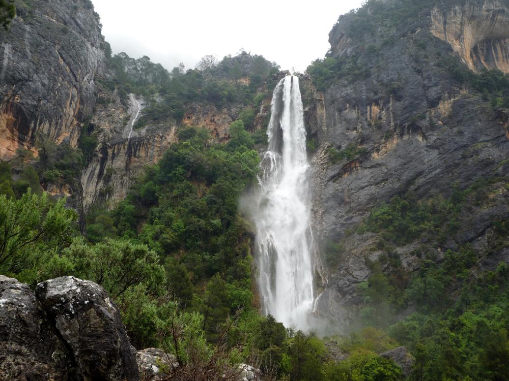 cascada de la osera, parque natural sierras de cazorla, segura y las villas