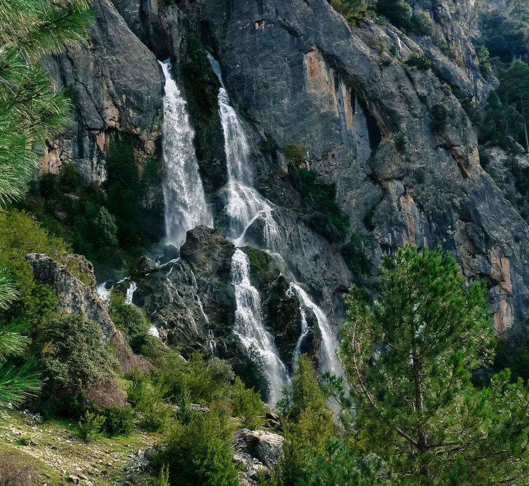 cascada de los melguizos, parque natural sierras de cazorla, segura y las villas